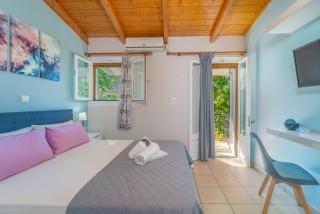 apartment for 4 villa flisvos amenities