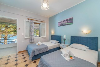 apartment for 4 villa flisvos beds