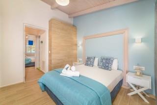 apartment for 4 villa flisvos big bed