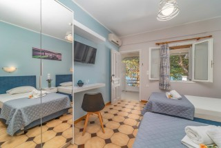 apartment for 4 villa flisvos interior