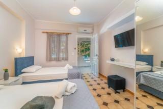 apartment for 4 villa flisvos room