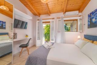 apartment for 4 villa flisvos room amenities