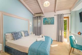 apartment for 4 villa flisvos room interior