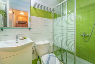 apartment for 4 villa flisvos the bathroom