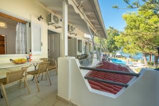 faciliities villa flisvos verandas