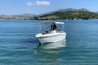 facilities villa flisvos boat