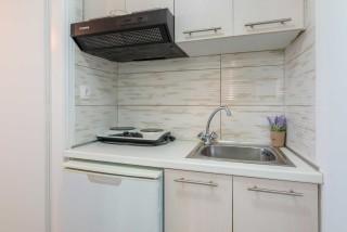 studio villa flisvos kitchen