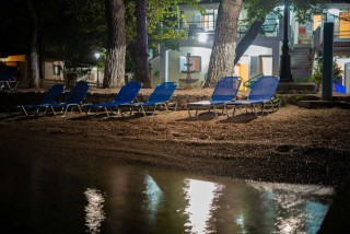 villa flisvos apartments sunbeds